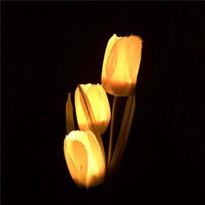 producto-led-tulipanes-amarillo-jardín