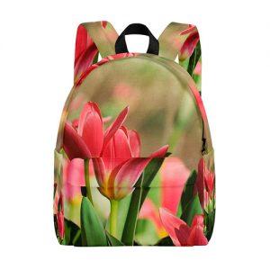 producto-mochila-tulipanes-rojos-campo